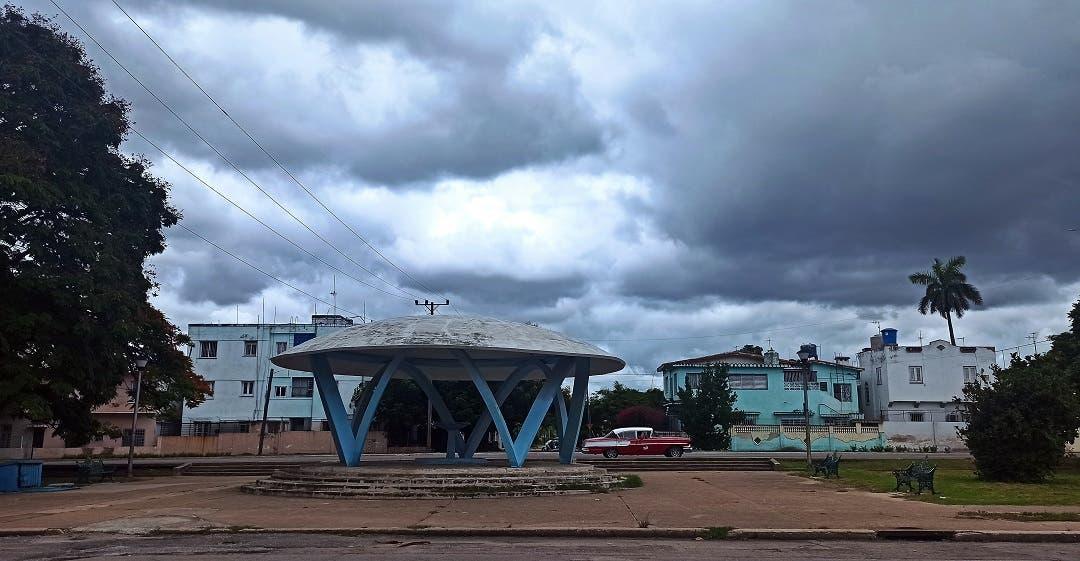 Elsa atraviesa Cuba con lluvias y sin víctimas, va a Florida