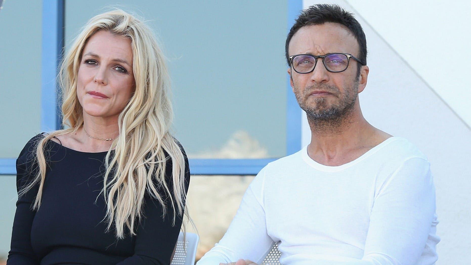 Dimite el representante artístico de Britney Spears