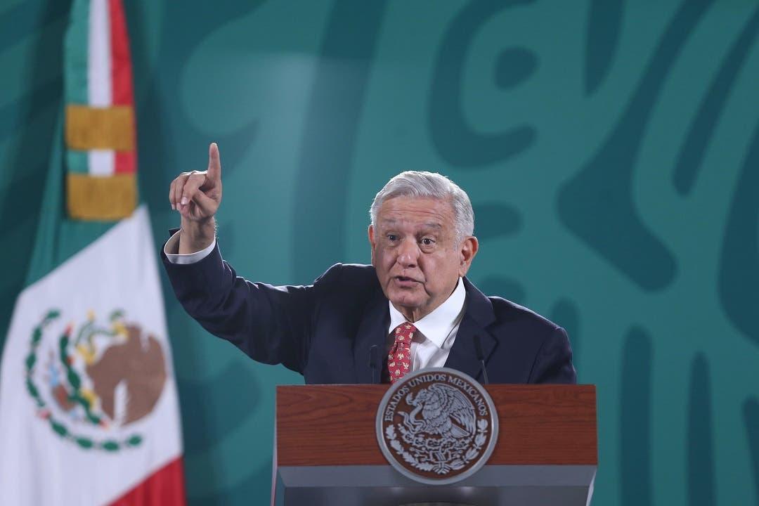Incendio en ducto submarino de Pemex no fue intencionado, dice López Obrador