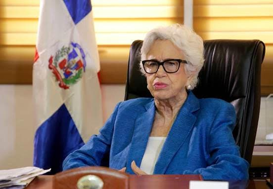 Milagros Ortiz Bosch le responde a Ramón Albulquerque: «No volveré al pasado»