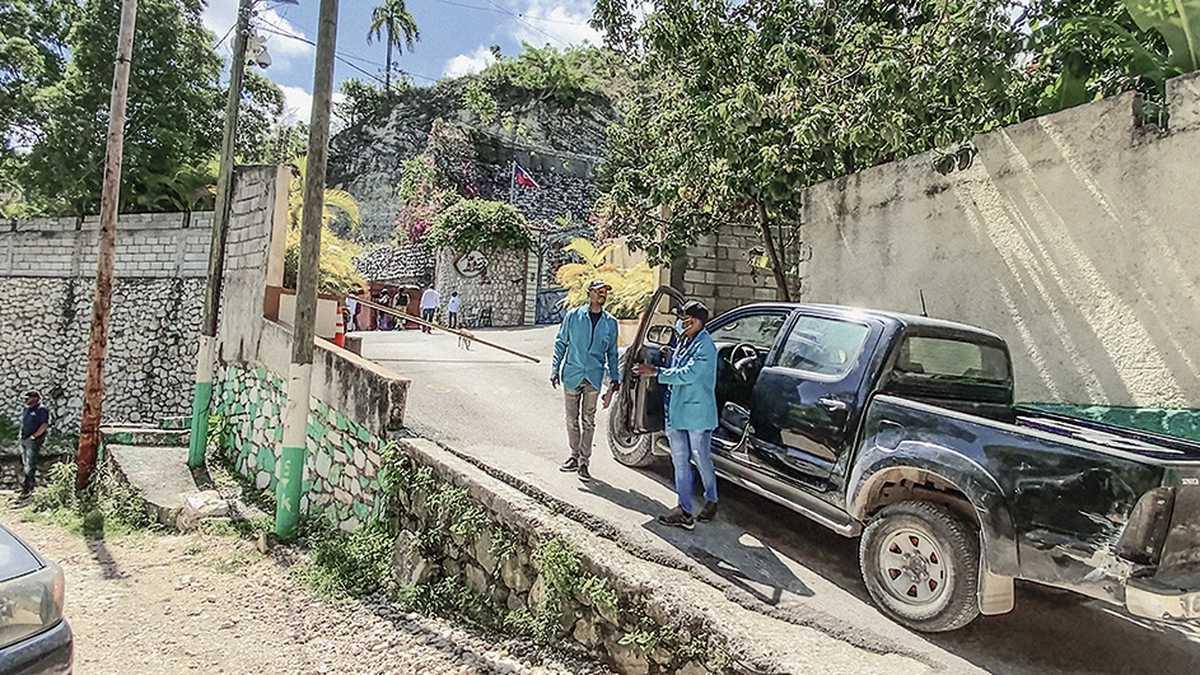Exmilitares que participaron en asesinato de Moise se movilizaron en seis camionetas; tres policías haitianos iban en una