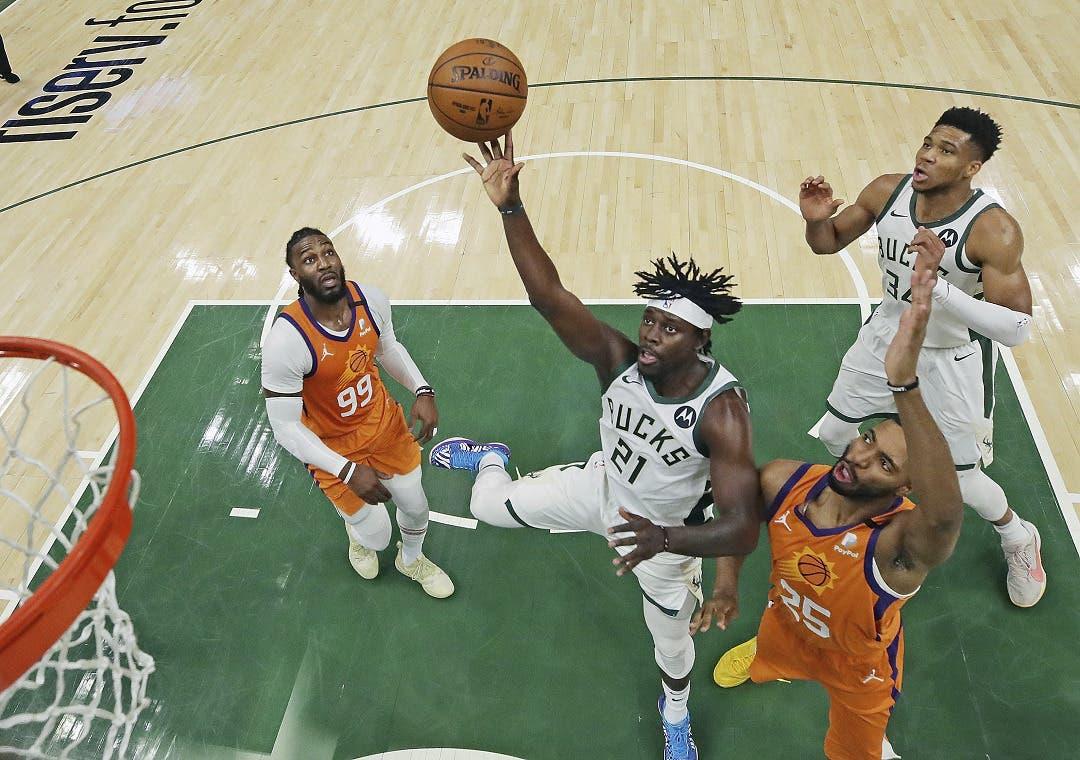 Middleton y Bucks empatan las Finales ante Suns