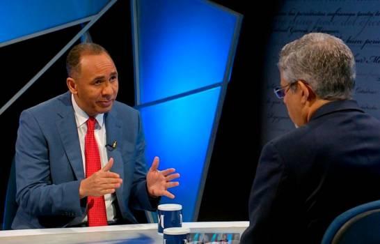 Nelson Arroyo informa que en 10 meses Indotel ha cerrado 38 emisoras