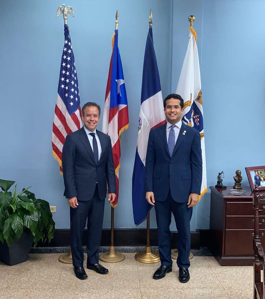 Omar Fernández fortalece relaciones entre RD y Puerto Rico