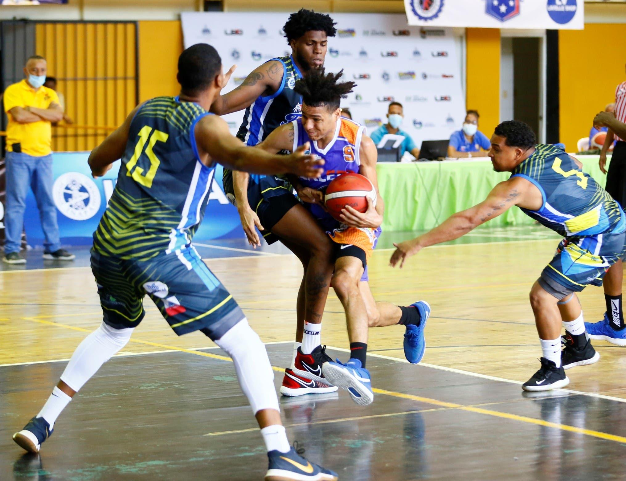 Cuatro equipos clasifican a serie semifinal torneo basket superior de Santo Domingo Este