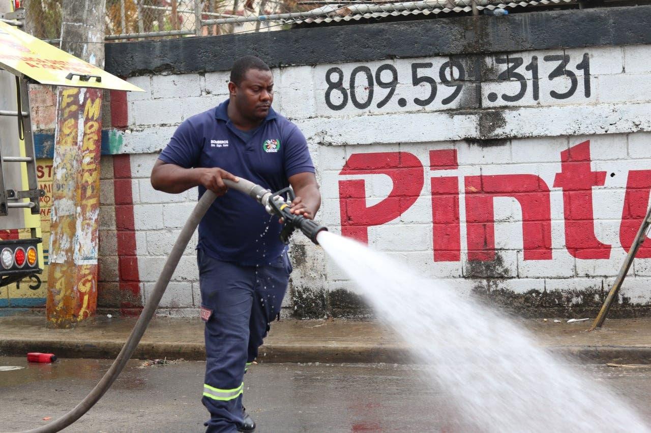 Realizan operativo de limpieza en Santo Domingo Este