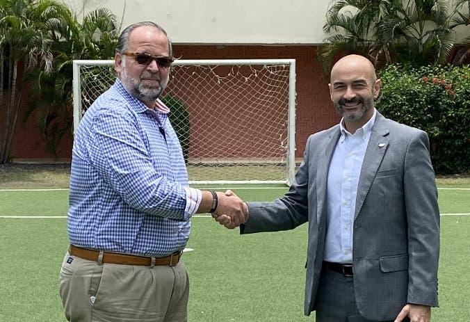 Escuela de fútbol DV7 abre su segunda sede