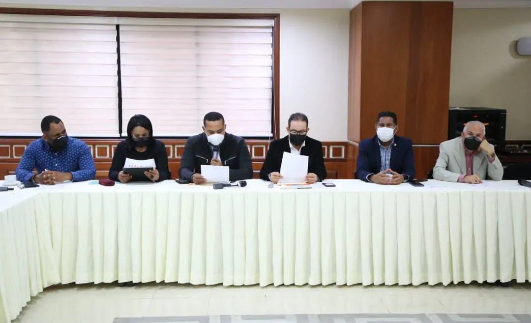 Diputados reciben posición sector sindical sobre proyecto de ley del 30 % AFP