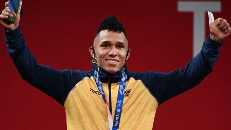 Olímpicos Tokio: Luis Javier Mosquera gana la plata para Colombia en pesas