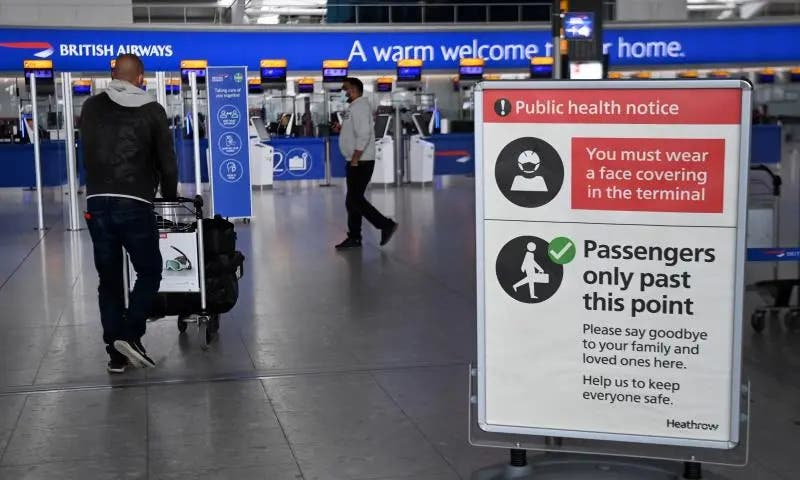 Inglaterra eliminará la cuarentena para viajeros vacunados de la UE y EE.UU.