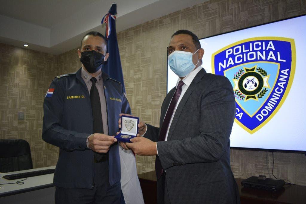 Policía Nacional firma acuerdo para regularizar estatus de sus inmuebles