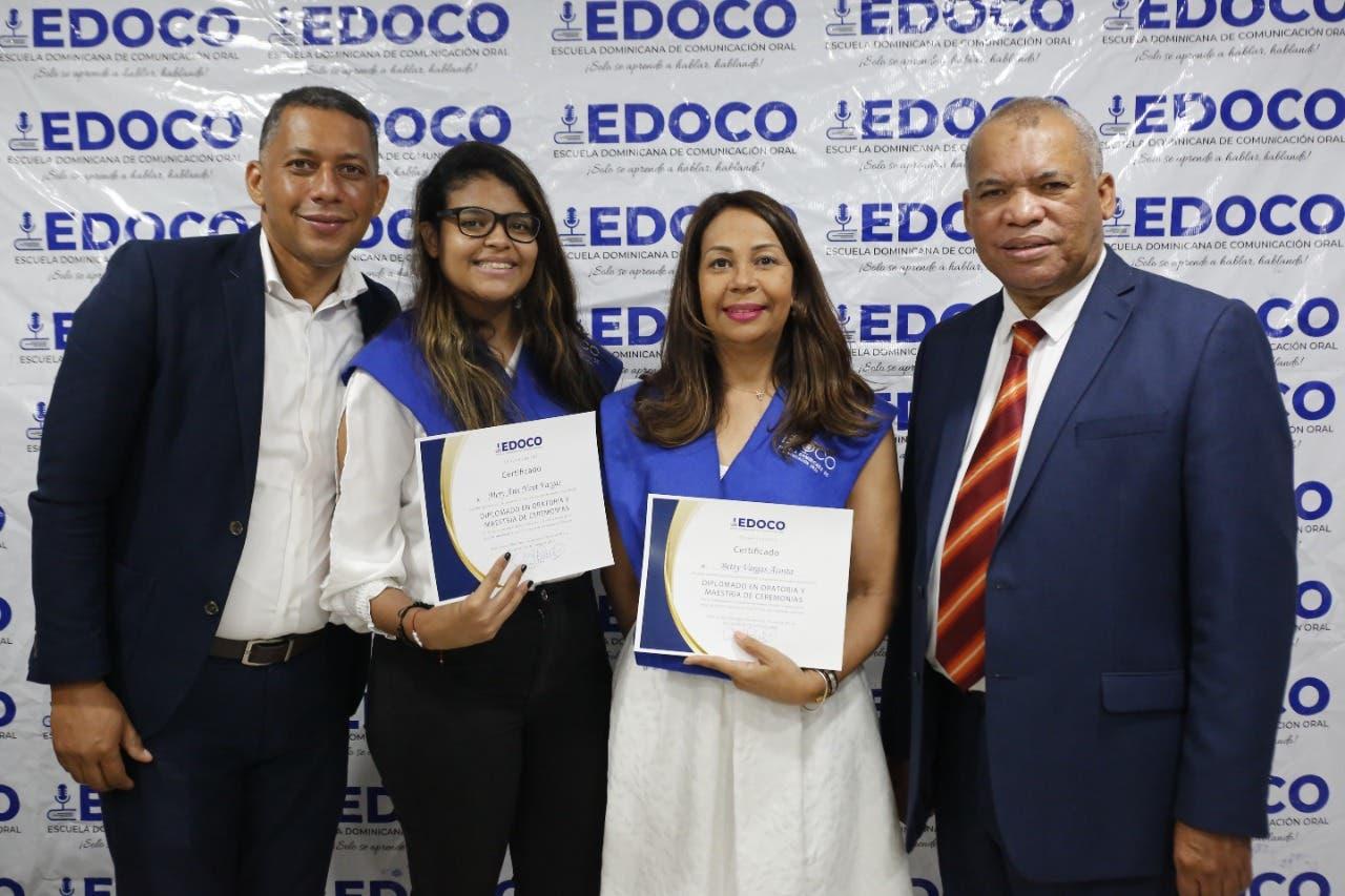EDOCO gradúa decenas de jóvenes participaron en Diplomado de Oratoria y Maestría de Ceremonias
