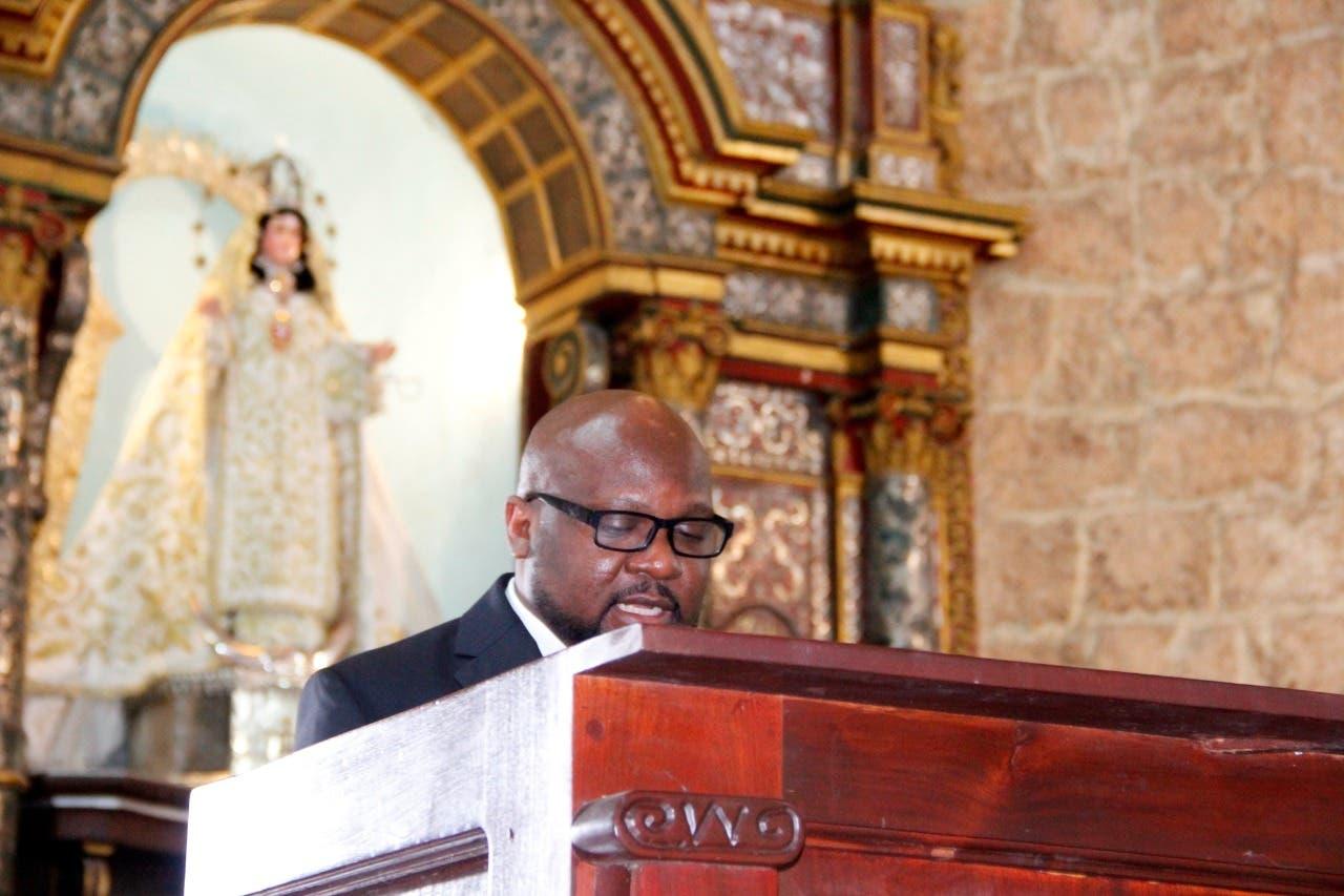 Reclaman muerte de Moise no quede impune durante eucaristía en su memoria