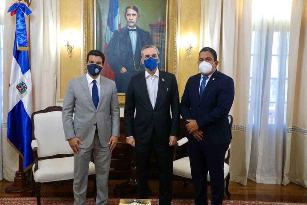 Diputado Moisés Ayala pospone aspiraciones a vocería del bloque PRM