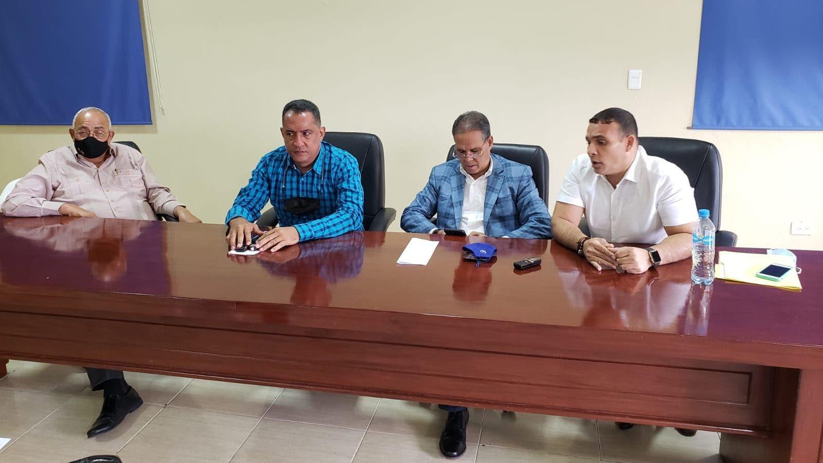 Unión de Transportistas del Cibao descarta aumentar precios de  pasajes