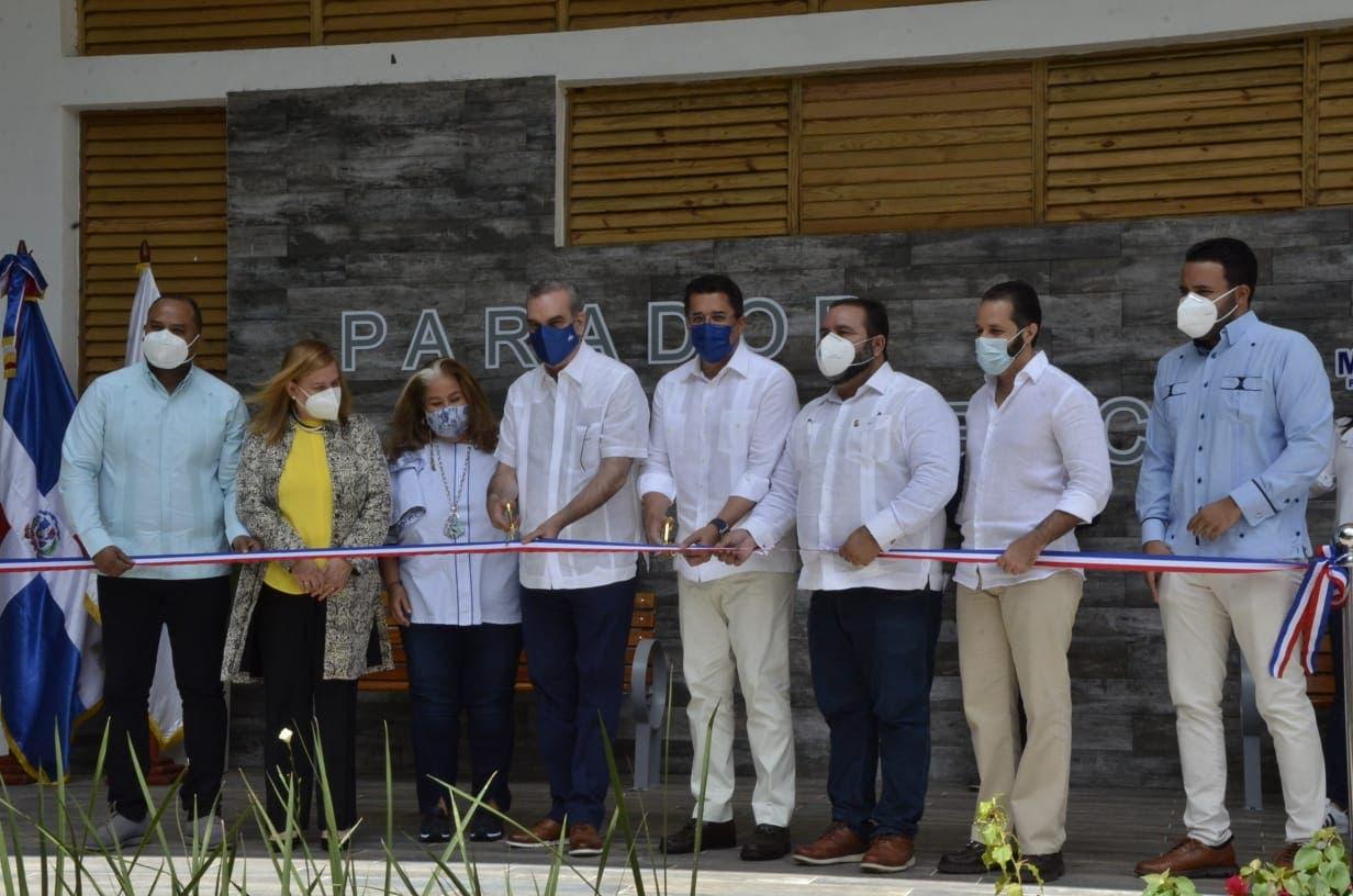 Presidente Abinader inaugura parque turístico La Confluencia en Jarabacoa