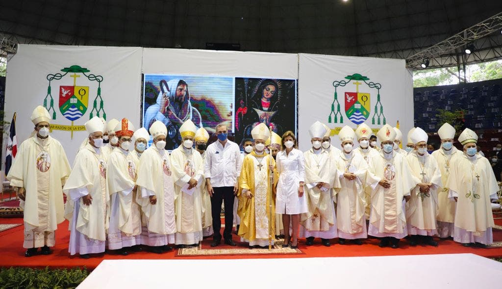 Presidente Abinader asiste a ordenación del nuevo obispo de San Francisco de Macorís