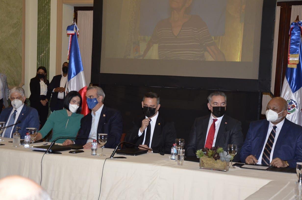 Gobierno, Unicef y JCE firman acuerdo para impulsar registro civil oportuno