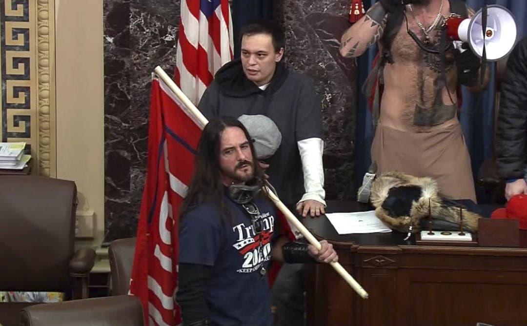 EEUU: Hombre que irrumpió en Capitolio enfrenta sentencia