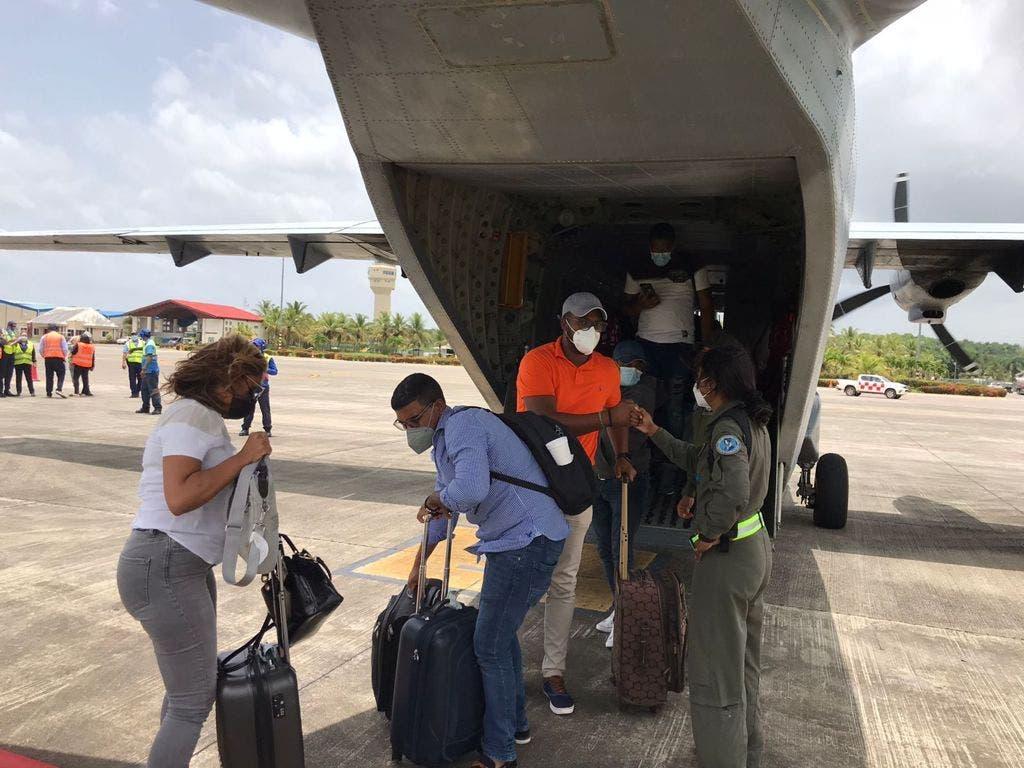 RD repatría a ocho empleados de su embajada en Haití