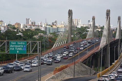 Obras Públicas deja oficialmente abierto el tránsito por el remodelado puente Juan Bosch