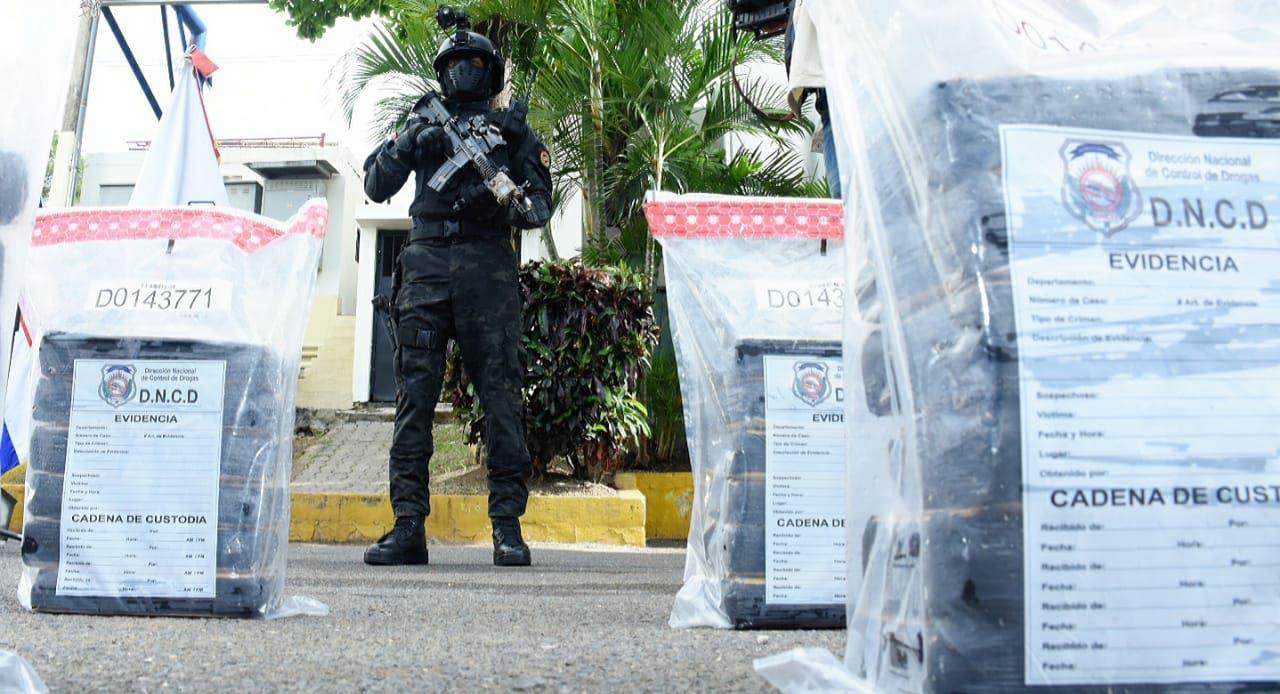 DNCD ocupa 540 paquetes de droga y arresta cinco venezolanos
