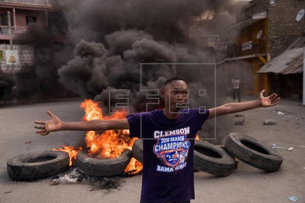 Arden barricadas en Cap-Haitien en la víspera de funeral del presidente Moise