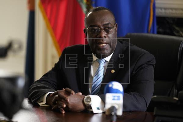 Gobierno de Haití busca celebrar elección este año, dice embajador ante OEA