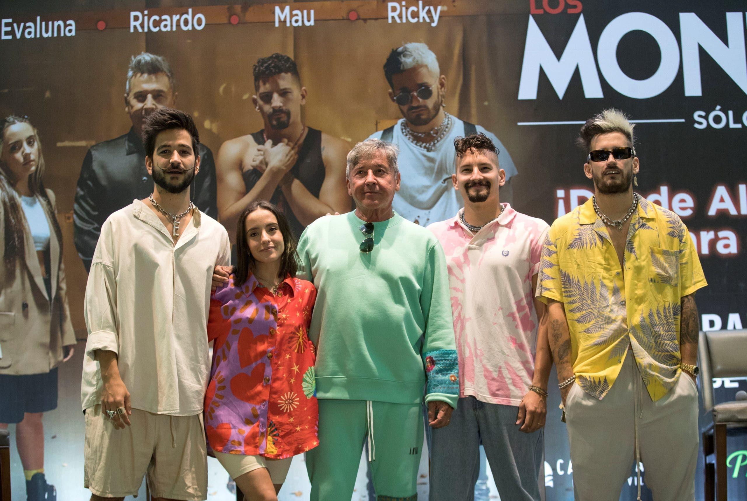 """Ricardo Montaner dice que no son """"extraterrestres"""" por cantar en familia"""
