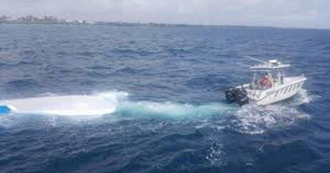 Rescatan 2 dominicanos que pasaron 14 días a la deriva en el mar, próximo a Colombia