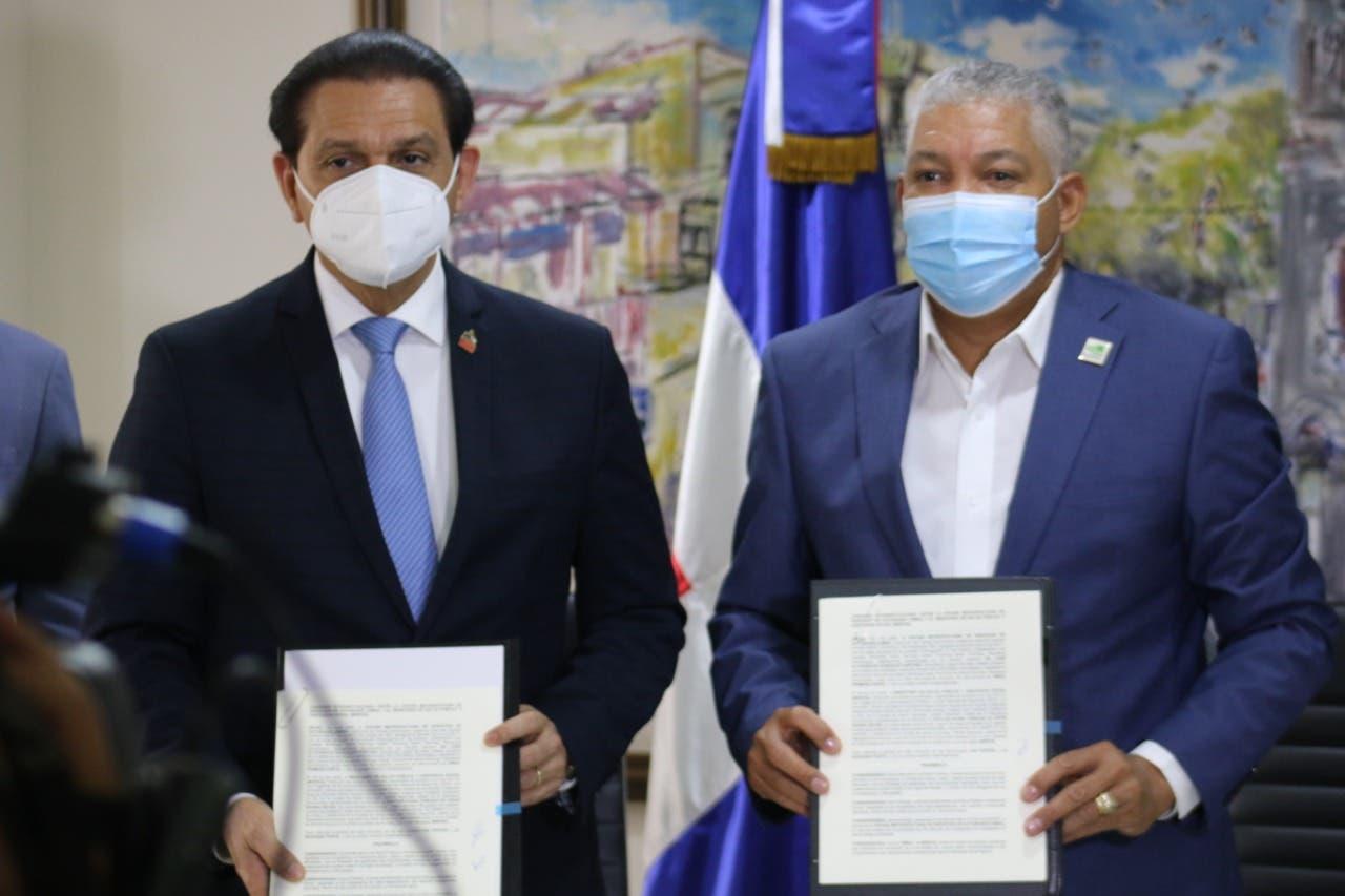 Salud Pública y OMSA firman convenio