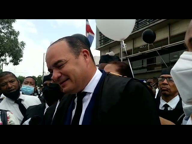Abogados protestan frente a la SCJ por «desacato a sentencia ordena abrir tribunales»