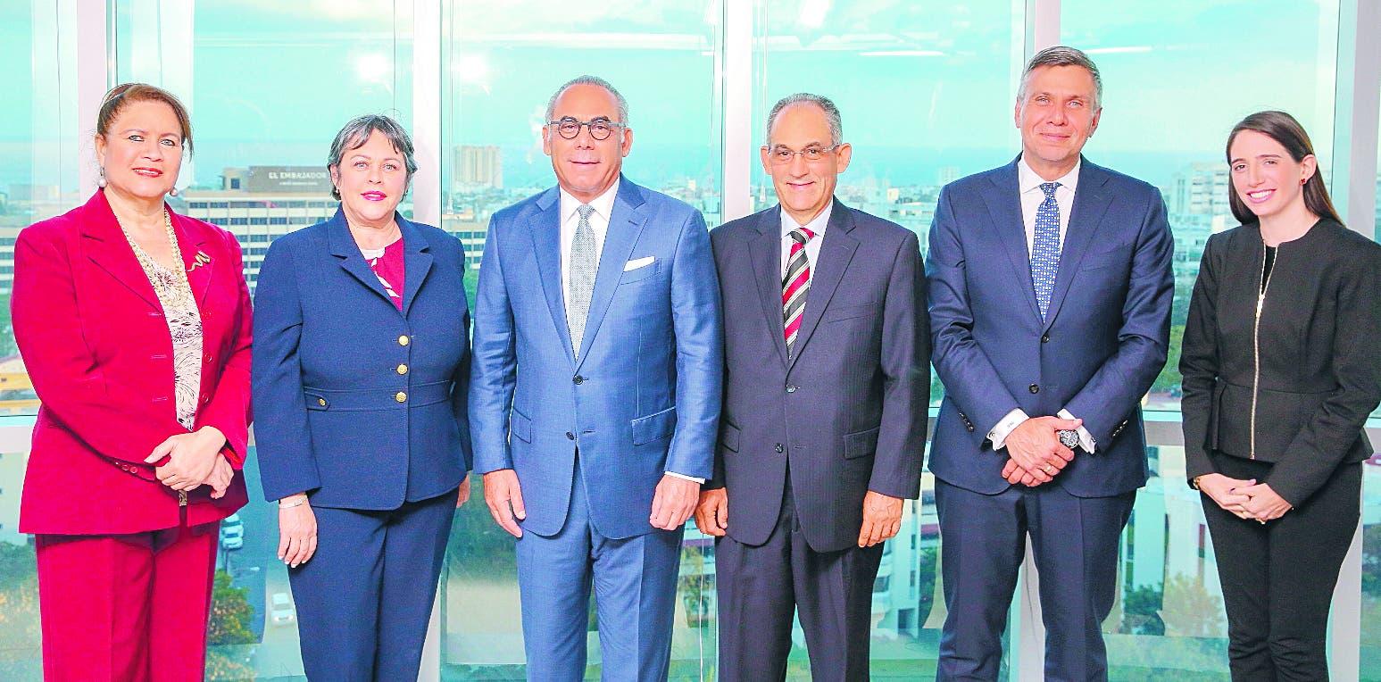 Banco Atlántico  nombra a    Emilio Hasbún en Consejo