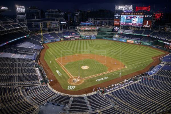 Detienen un partido de béisbol en EE.UU. por un tiroteo fuera del estadio