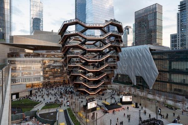Vuelve a cerrar la polémica escultura neoyorquina Vessel tras cuarto suicidio
