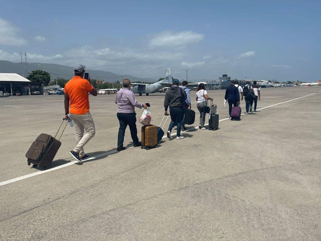 FARD evacua personal diplomático dominicano acreditado en Haití