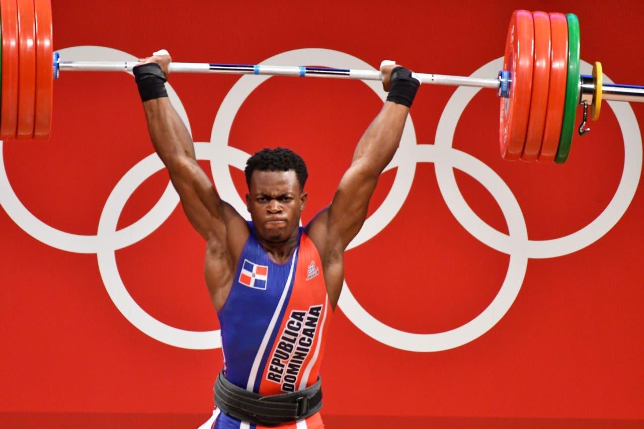 Pesas gana primera medalla dominicana en estas olimpíadas con plata