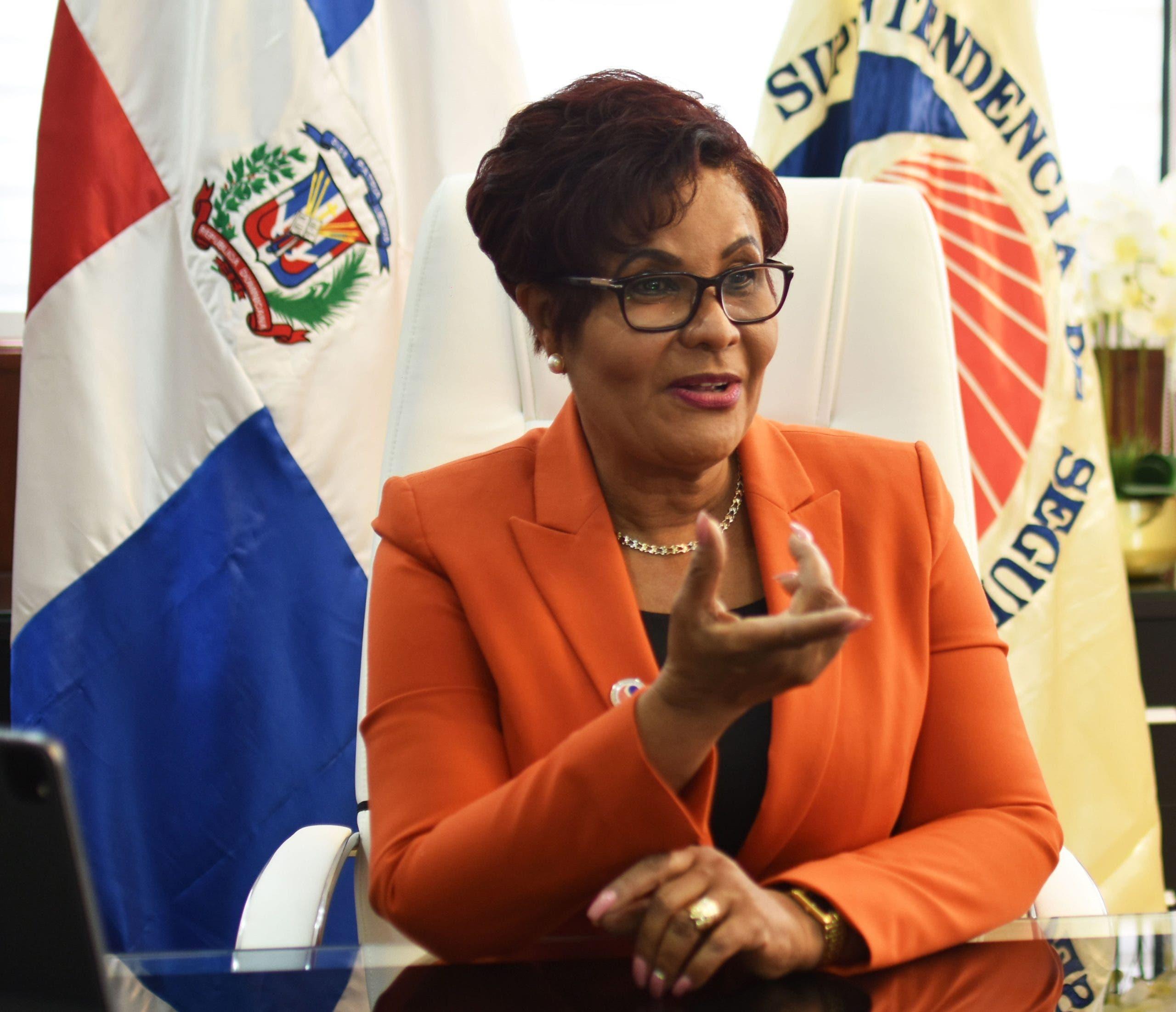 Josefa Castillo dice seguros venden RD$ 42 mil millones en primer semestre, sector crece 25%