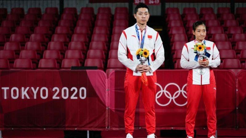 """""""Antipatriotas"""": los ataques de nacionalistas que sufren algunos atletas chinos en Tokyo 2020"""