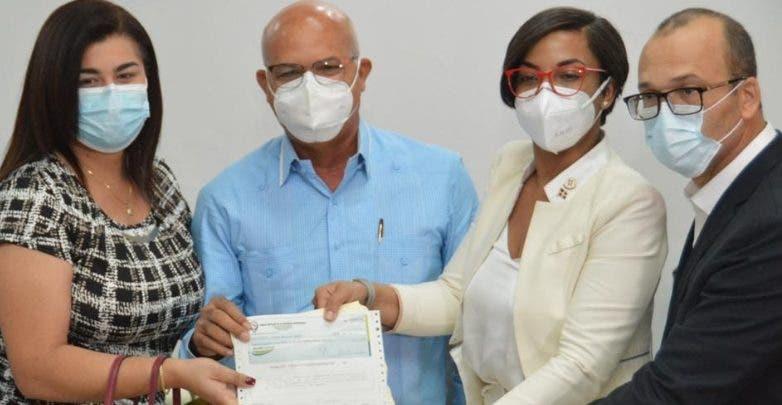 Porcicultores de traspatio reciben RD$21.4 millones