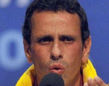 La oposición negocia con Nicolás Maduro