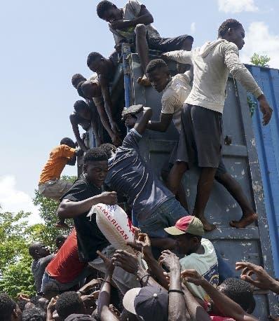 Policía de Haití protegerá más las ayudas