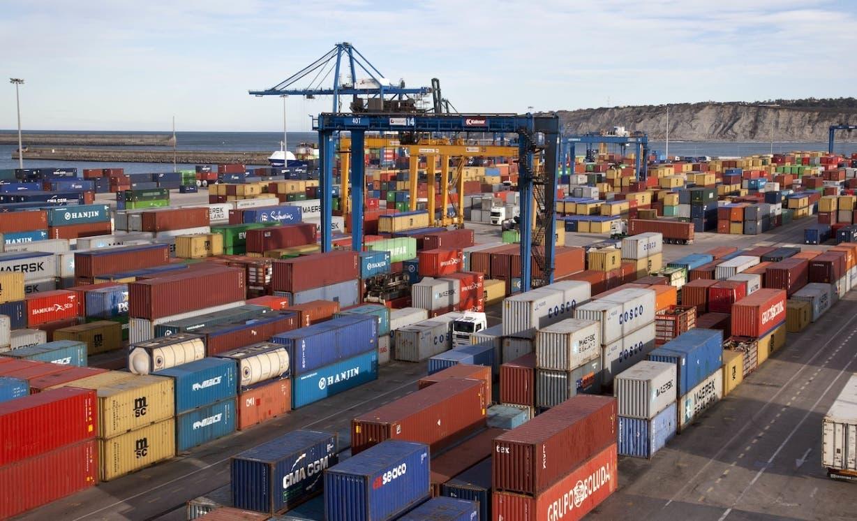 Crisis de contenedores podría afectar local comercio en navidad