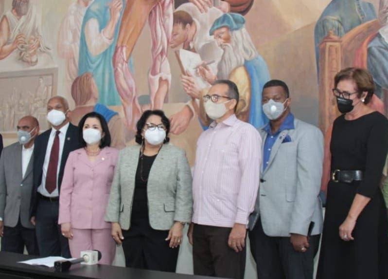 Universidad Autónoma develiza el mural del pintor José Vela Zanetti
