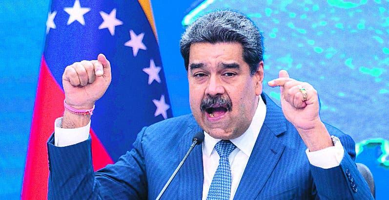 Nicolás Maduro alaba los diálogos con la oposición