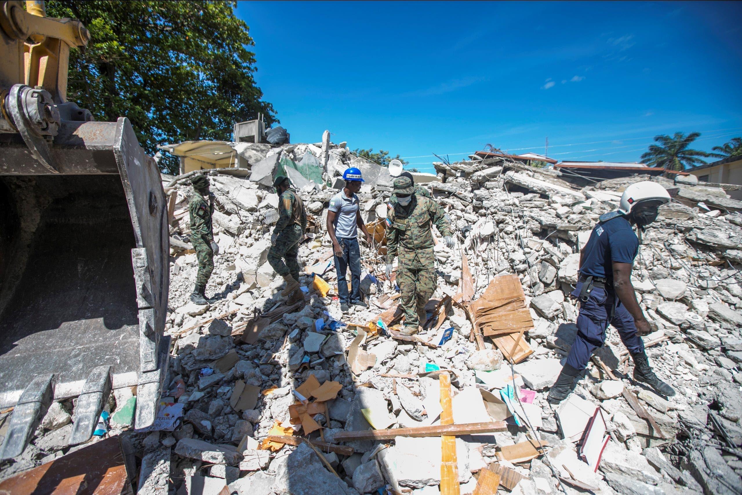 Joven haitiana herida en terremoto es trasladada de emergencia a EE.UU