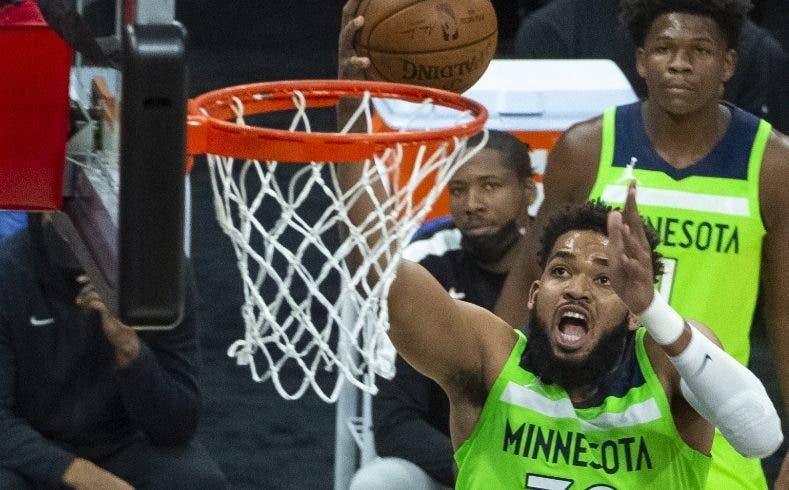 Jugadores NBA sin vacuna se someterán a más pruebas y tendrán restricciones
