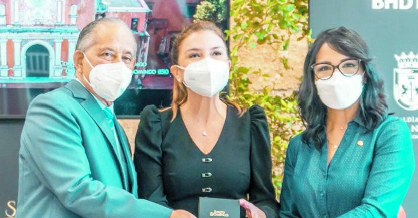 Banco BHD León entrega a  Alcaldía del Distrito Nacional un  documental