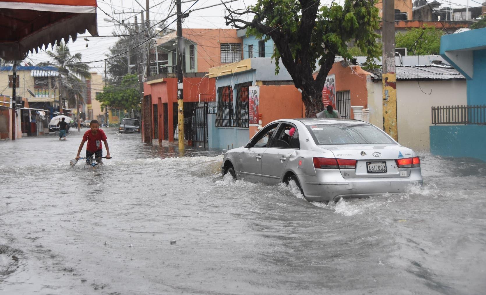 La tormenta tropical Fred  deja país bajo agua y sigue rumbo hacia  Haití