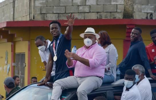 Bayaguana recibe con júbilo medallista Zacarías Bonnat